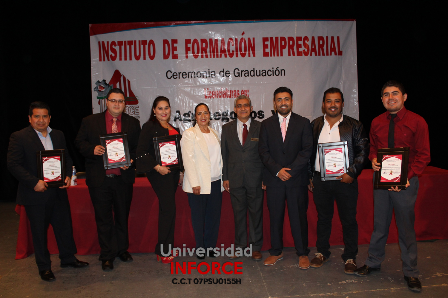 universidad-inforce-comitan-diplomado-en-negocios-graduacion-2018-2.png